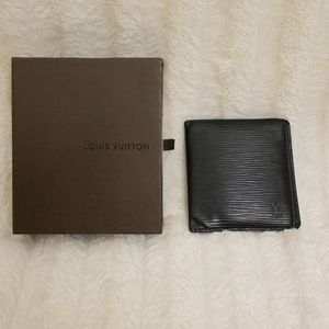 Louis Vuitton EPI leather men bifold wallet